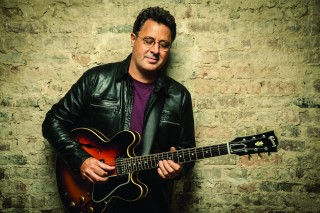/VInce Gill Offical Photo.jpg