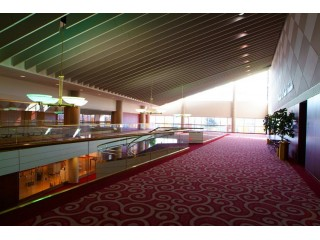 Mezzanine Level Lobby