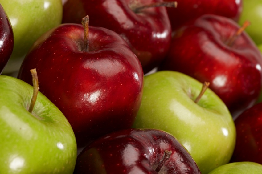 red-and-green-apples-istock-photo.jpg