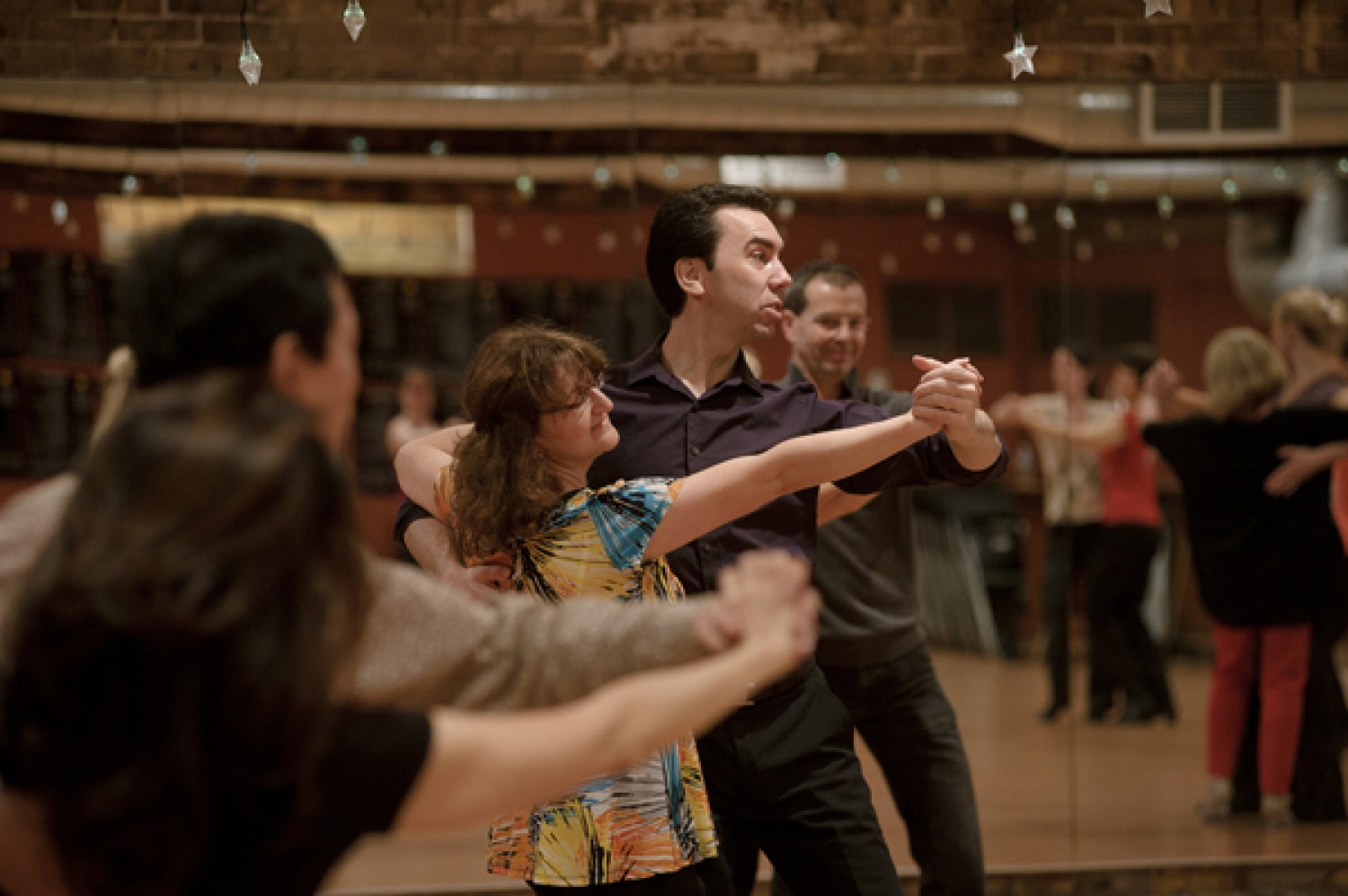 essay salsa dance Research papers on dance  salsa dancing style salsa dancing style introduction the native meaning of salsa belongs to a sauce in spanish, and the sauce can be hot .