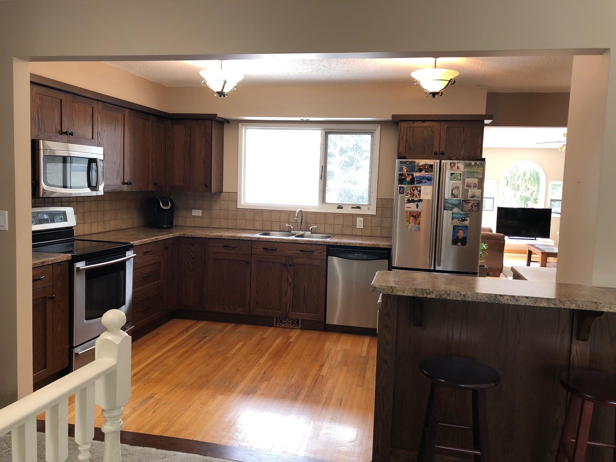 Kitchen Dining 3.jpg