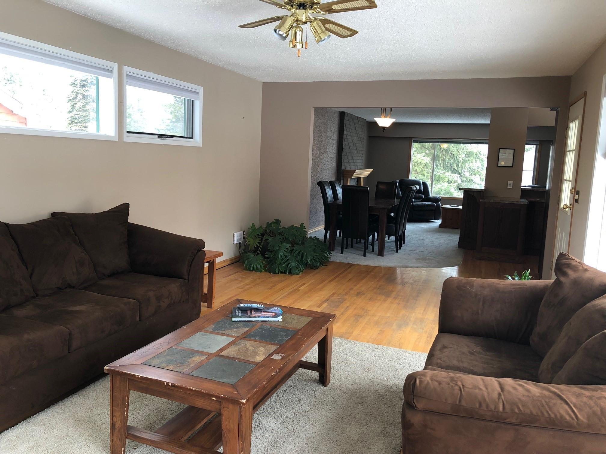 Upstairs Living Room 2.jpg