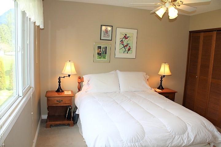 1526 10 Bedroom Master.JPG