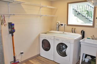 1526 17 Laundry.JPG