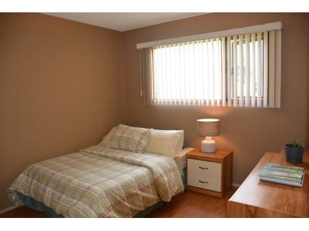 leo bedroom.jpg